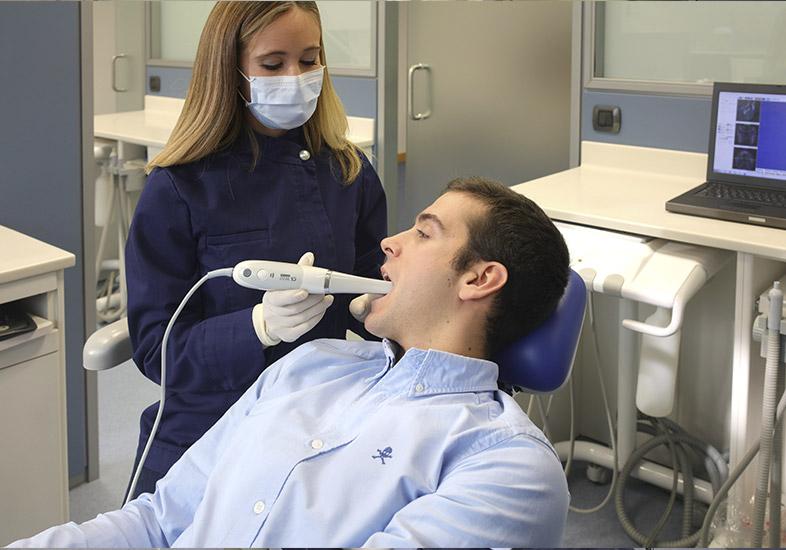 Escáner intraoral en la clínica Zabalegui
